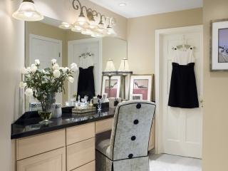 Contemporary Dressing Room