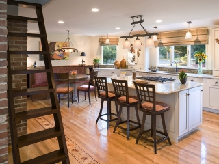 Kitchen utilizing Transitional Interior Design