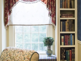 Traditional English Living Room with a Twist 07